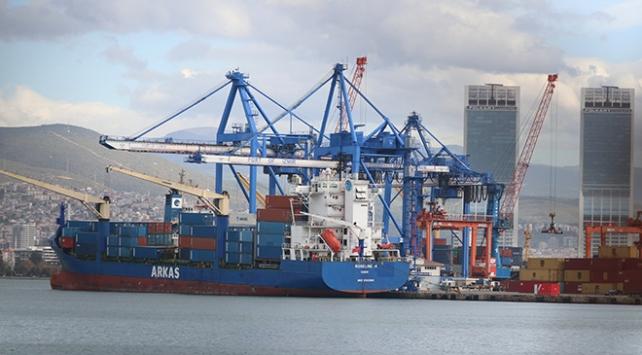 Doğu Akdeniz'de hukuk dışı arama yapılan Türk gemisi İzmir Limanı'nda