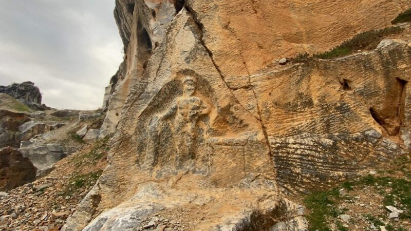 2 bin yıllık Herkül'ü delik deşik ettiler, asasını çaldılar…