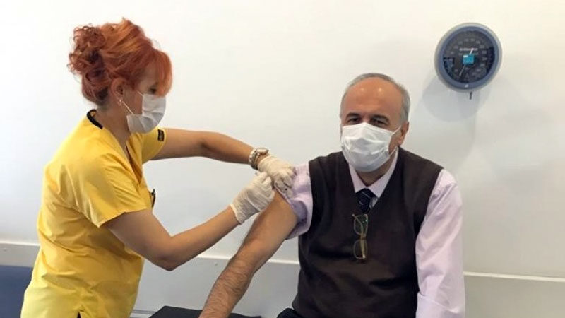 Bursa'da Covid-19 aşısı için gönüllü alımı sürüyor
