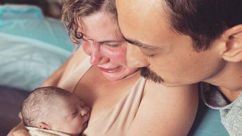 Çocuklar Duymasın'ın Duygu'sunun kızı 1 aylık oldu