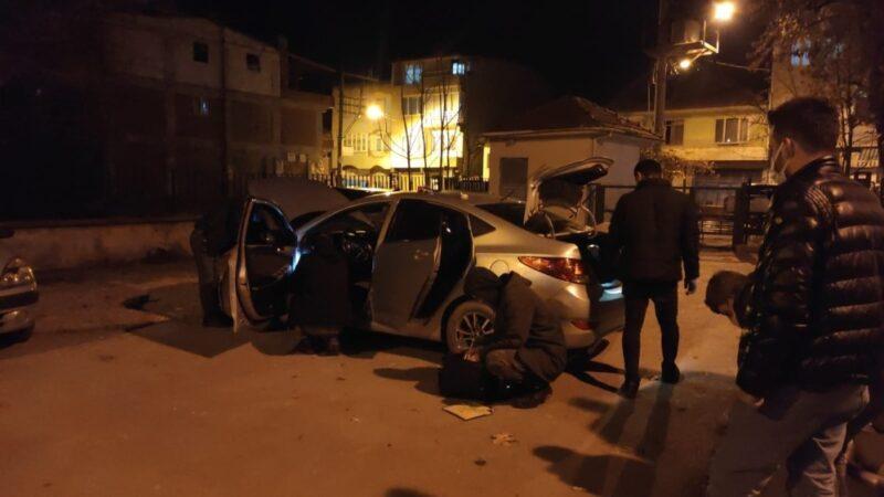 Bursa'da 30 kilometre takip edilen araçtan silah ve uyuşturucu çıktı