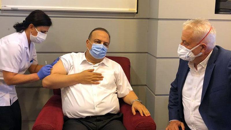 Bursa Valisi, Kovid-19 aşı çalışması için gönüllü oldu