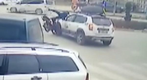 Bursa'da cip ile motosiklet çarpıştı