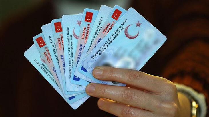 Bakan duyurdu! Yeni kimlik kartlarıyla ilgili flaş gelişme