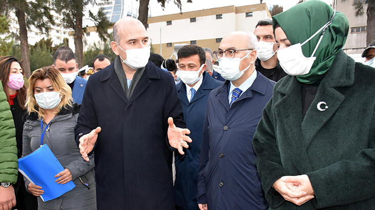 Bakan Soylu'dan İzmir'de depremzedelere ziyaret