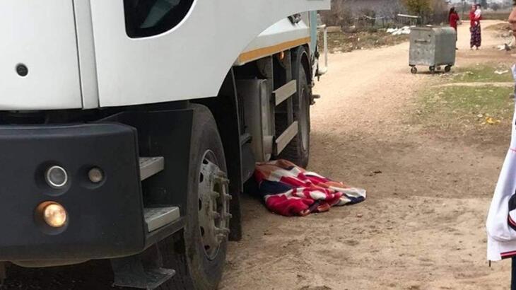Feci olay! Yaşlı kadın kamyonun altında can verdi