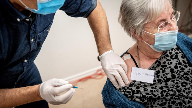 Danimarka'da Pfizer/Biontech aşısında yan etki görüldü