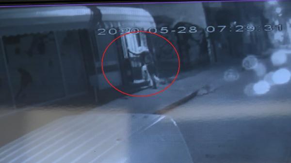 Bursa'da sahte içkiden ölen kişinin son anları kamerada