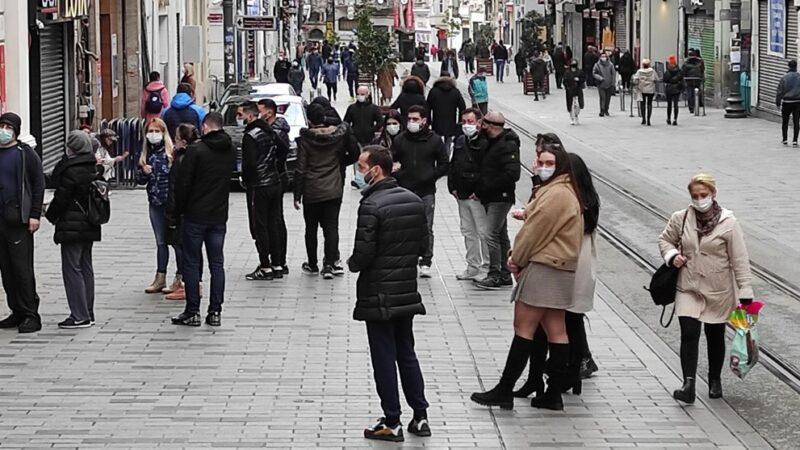 Taksim ve İstiklal turistlere kaldı