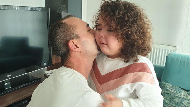Türkiye'yi ağlatmıştı! Baba-kız böyle kavuştu