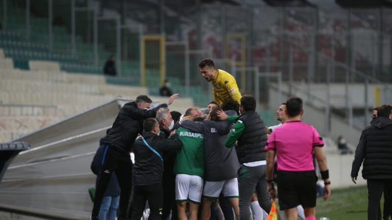 Bursaspor Samsunspor'u işte böyle dize getirdi! Galibiyetin fotoğraflarla öyküsü…