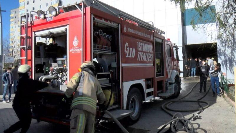 İstanbul'da 8 katlı işyerinde korkutan yangın