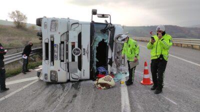 Bursa'da asit yüklü tanker devrildi