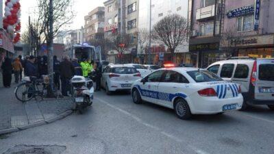 Bursa'da otomobil yayaya çarptı: 1 yaralı