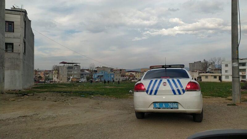 Bursa'da polisi gören çocuklar çil yavrusu gibi dağıldı