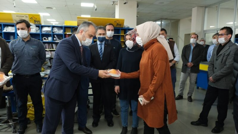 Bursa'da postacılara vitamin desteği