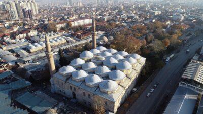 Bursa'nın boş cadde ve meydanları, dronla görüntülendi