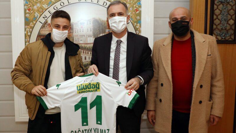 Bursaspor formasını başkana hediye etti!