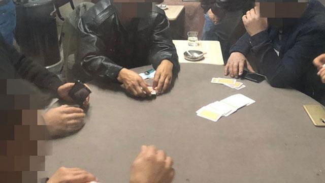 Kumar oynatılan evdeki 14 kişiye ceza yağdı