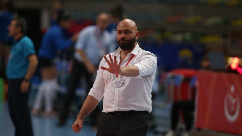 Nilüfer'in antrenöründen Fair-Play'lik hareket! Hükmen mağlubiyeti önledi…
