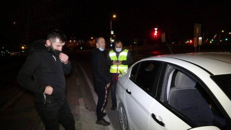 Bursa'da kısıtlamada alkollü yakalandı, izin belgesi iptal edildi