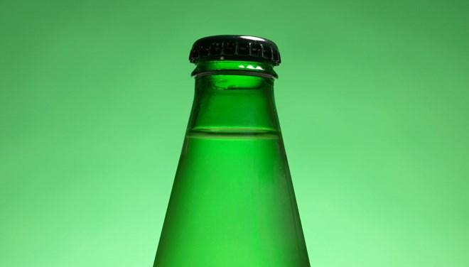 Soda şişesinin içindekini görünce mahkemeye koştu