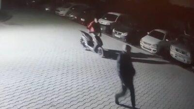Bursa'da motosiklet hırsızları kamerada