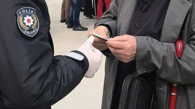 Ardahan'da kısıtlamaya uymayan 21 kişiye ceza
