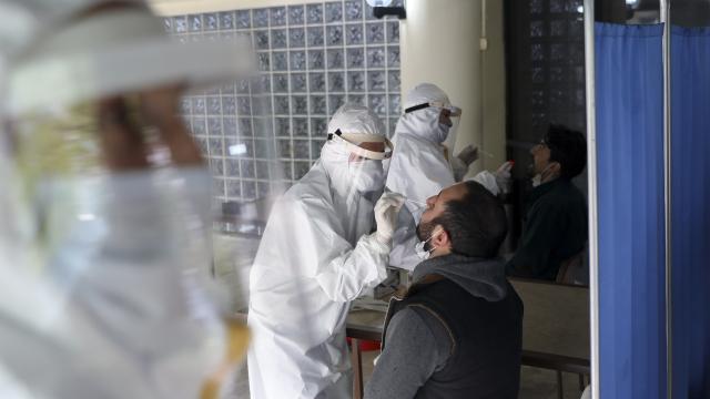 Türkiye'ye girişte PCR zorunluluğu başladı