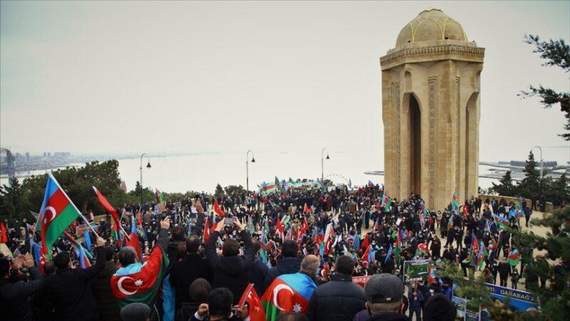 Azerbaycan'da 10 Kasım tarihi 'Zafer Günü' ilan edildi