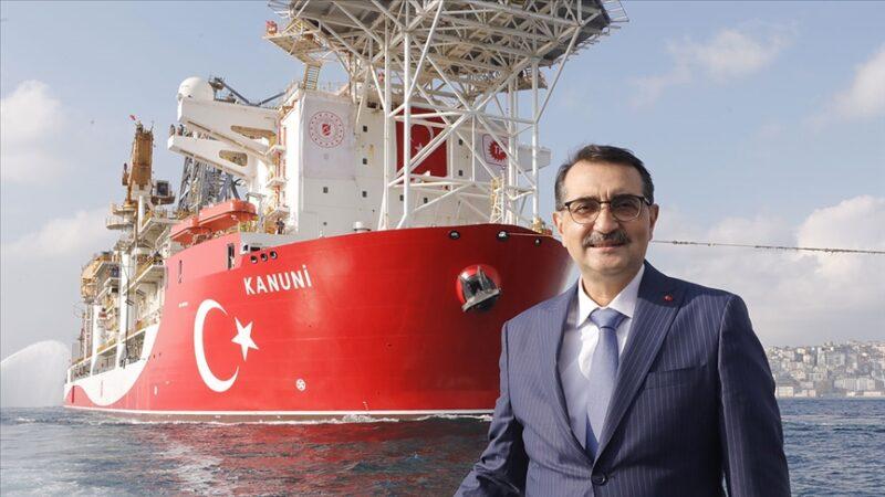 Bakan Dönmez: Kanuni sondaj gemisi Karadeniz'de sondaja hazırlanıyor