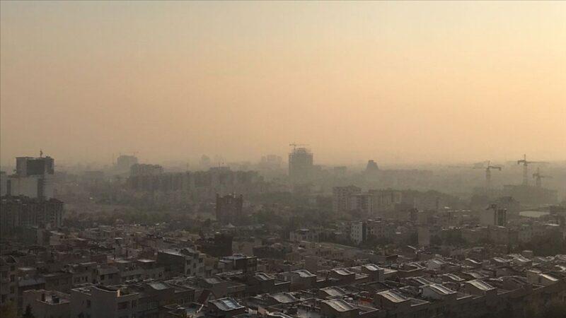 Tahran'da hava kirliliği riskli seviyede