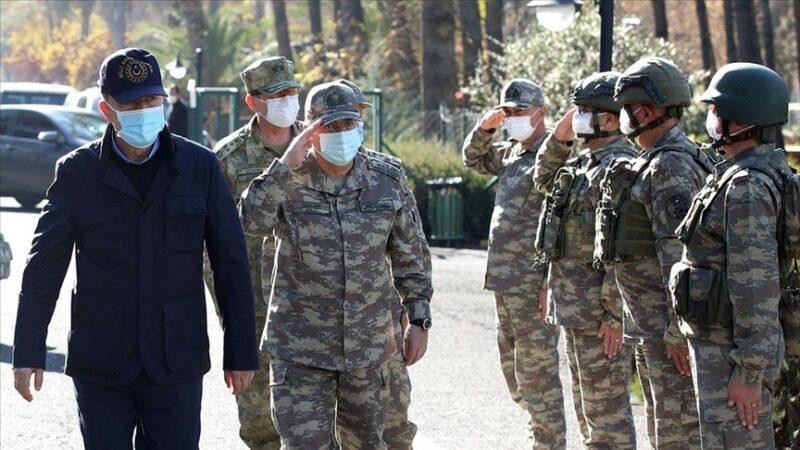 Bakan Akar'dan sınır birliklerinde inceleme