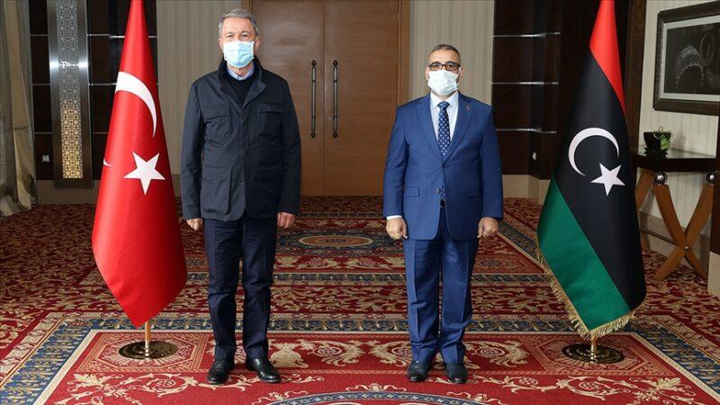 Bakanı Akar'dan Libya'da kritikgörüşme