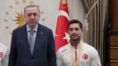 Cumhurbaşkanı Erdoğan milli cimnastikçi İbrahim Çolak'ı tebrik etti