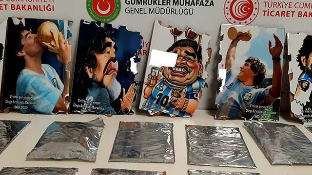 Maradona tablolarında 2 kilo 650 gram kokain yakalandı