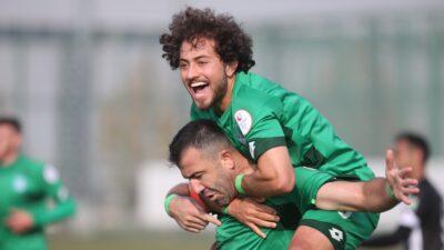 3.Lig'deki Bursa ekibi lideri devirdi! Zirveye 2 kaldı…