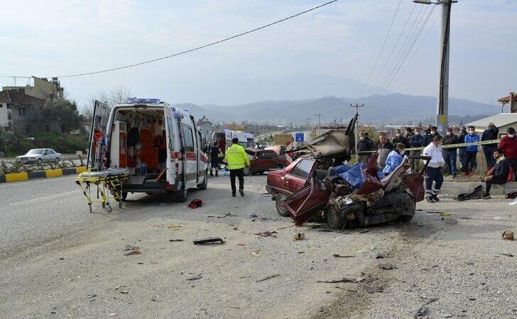 Dehşete düşüren kaza: 2 ölü, 3 yaralı