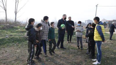 Başkan Taban saha isteyen çocuklarla buluştu