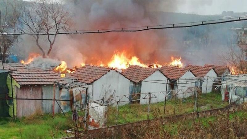 Bursa'da tatil köyü alevlere teslim oldu
