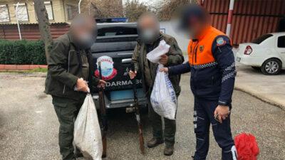 Uluabat Gölü'nde kaçak avlanan 2 kişi yakalandı