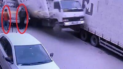 Bursa'da feci kaza! Saniye saniye kamerada