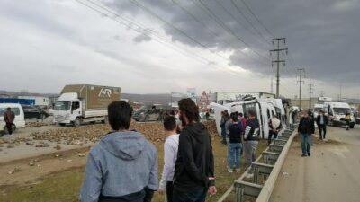 Bursa'da trafiği aksatan kaza