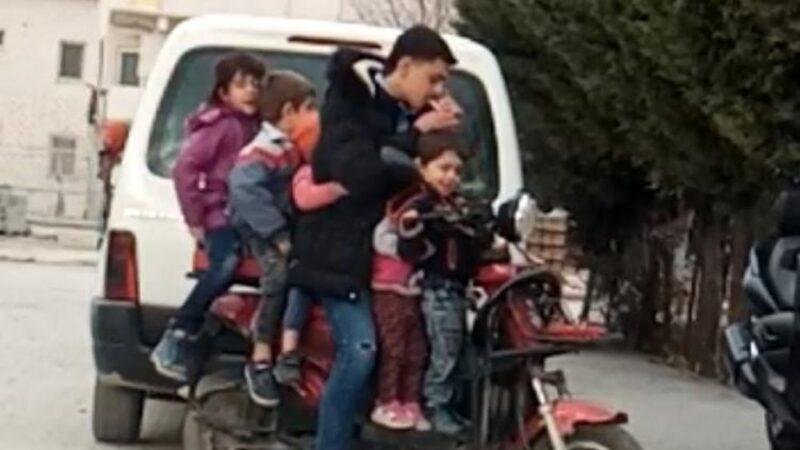 Bursa'da 5 çocuk bir yetişkinin bindiği elektrikli bisikleti görenler şaştı kaldı