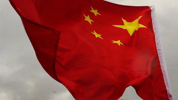 Çin'den Çinli şirketlerin New York Borsası'ndan çıkarılmasına misilleme uyarısı