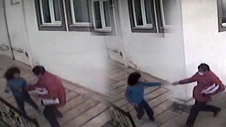 Kargo görevlisi, fotoğrafını çeken otizmli çocuğu dövdü!