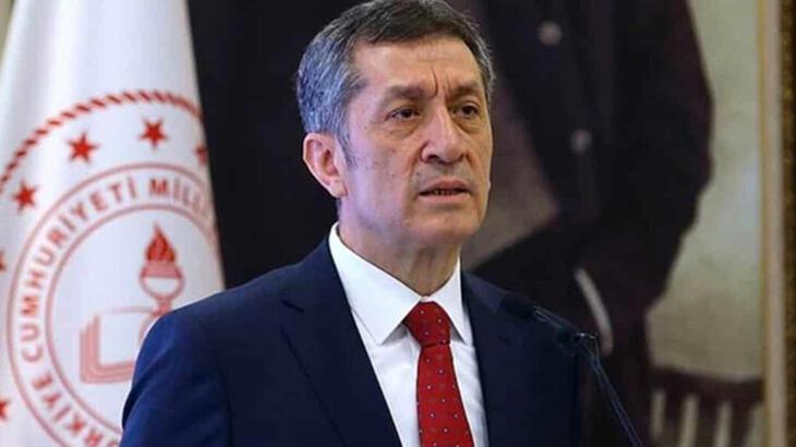 Milli Eğitim Bakanı Ziya Selçuk 'başlıyoruz' deyip duyurdu!