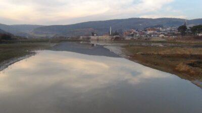 Yer: Bursa… Su seviyesi düşüyor! Eski köprü gün yüzüne çıktı