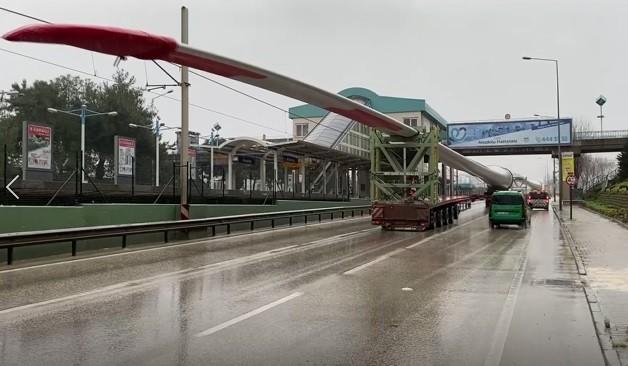 Bursa'ya en uzun sevkiyat! Tek kanadı 74 metre ve 26 ton…
