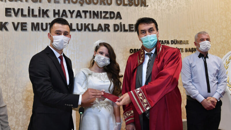 Osmangazi'de 6 bin 52 çift mutluluğa 'Evet' dedi